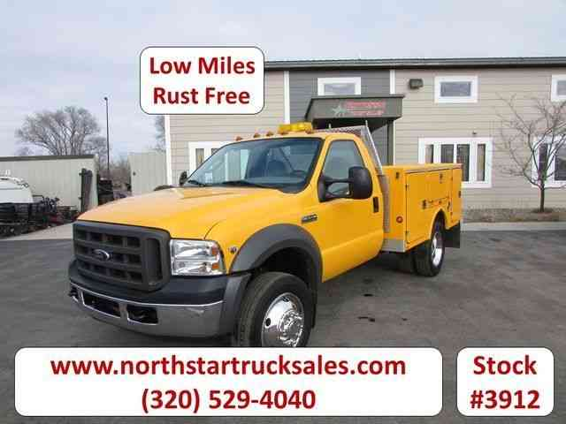 Ford F-550 Service Utility Truck -- (2005)