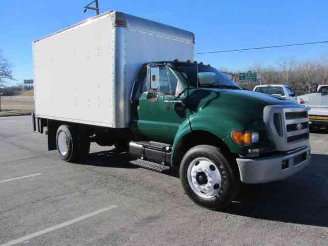 Ford F 750 2005 Van Box Trucks