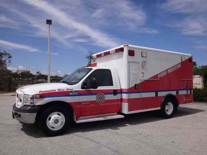 Carfax Used Trucks >> Ford F350 Super Duty Ambulance (2005) : Emergency & Fire Trucks