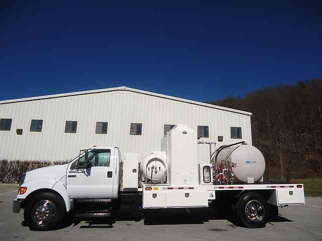 FORD / RUSH F650 XL / RSU084 (2005)