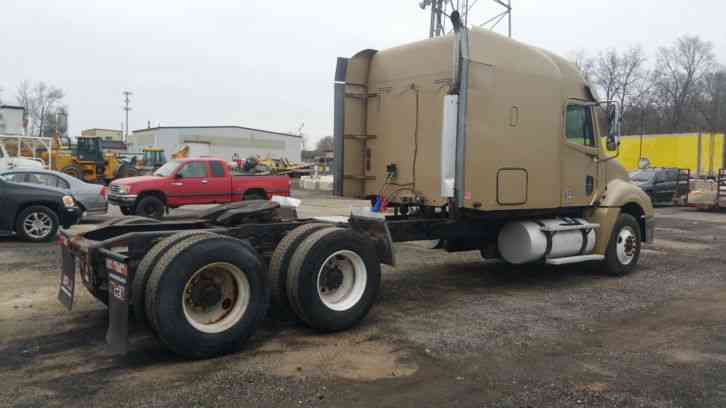 Freightliner 2005 Sleeper Semi Trucks
