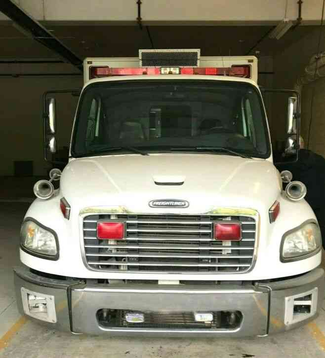 Freightliner M2 American LaFrance Ambulance EMS Vehicle (2005)
