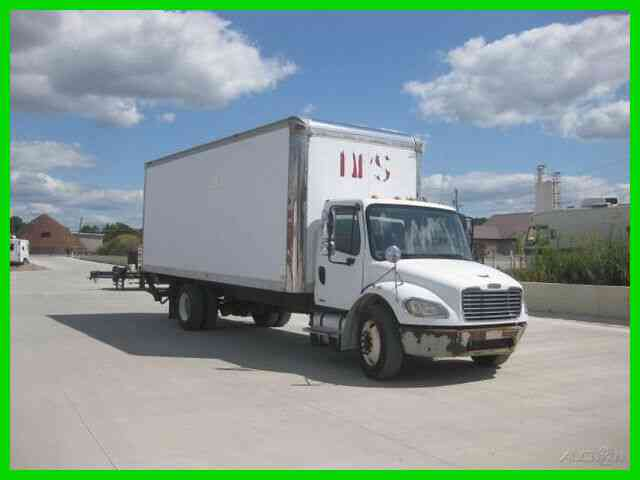 FREIGHTLINER M2 C7 CAT AUTO ''UNDER CDL''' WITH 24X102X102 VAN BODY WITH LIFTGATE (2005)