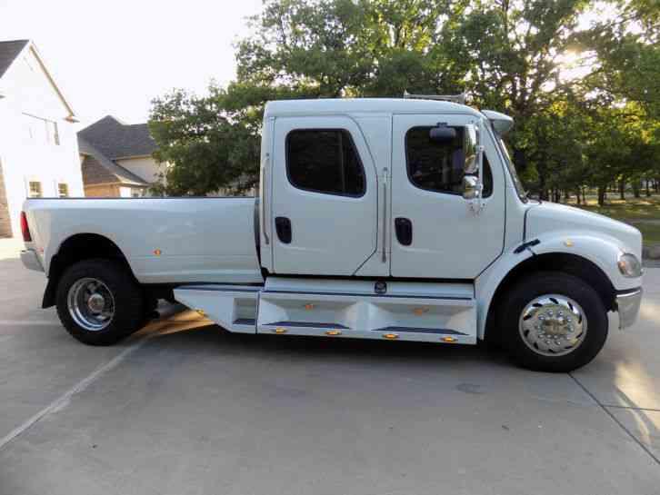 Used M2 Driver >> Freightliner M2 Sports Chassis RHA114 (2005) : Medium Trucks