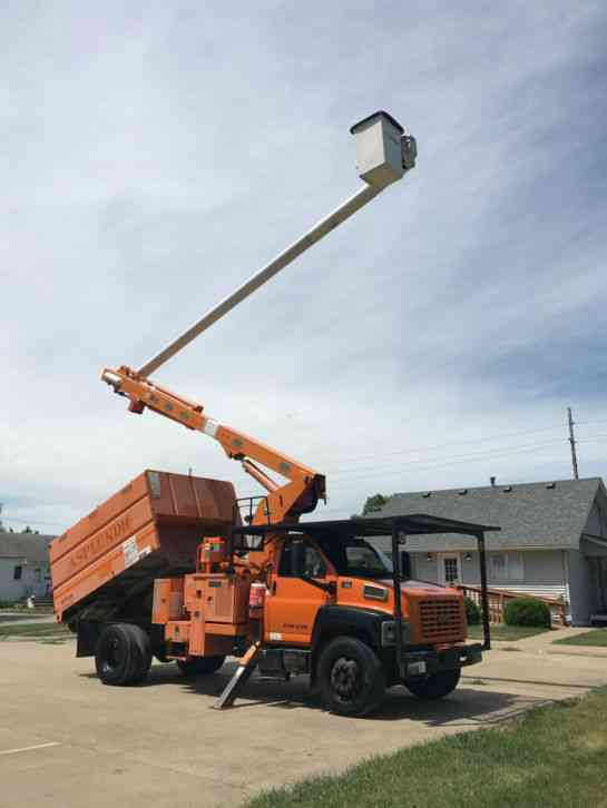 GMC C7500 2005 Bucket Boom Trucks