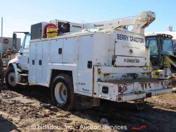 international   utility service trucks