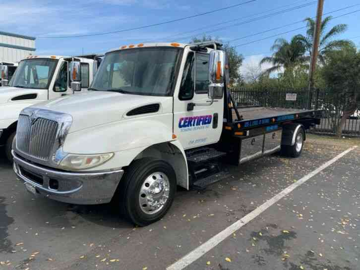 International Flat Bed Tow Truck 2005 Flatbeds Rollbacks