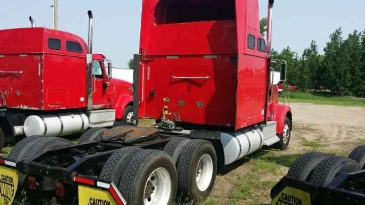 International 9900i eagle 2005 sleeper semi trucks