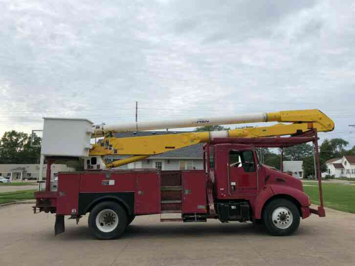Kenworth T300 Bucket Truck (2005)