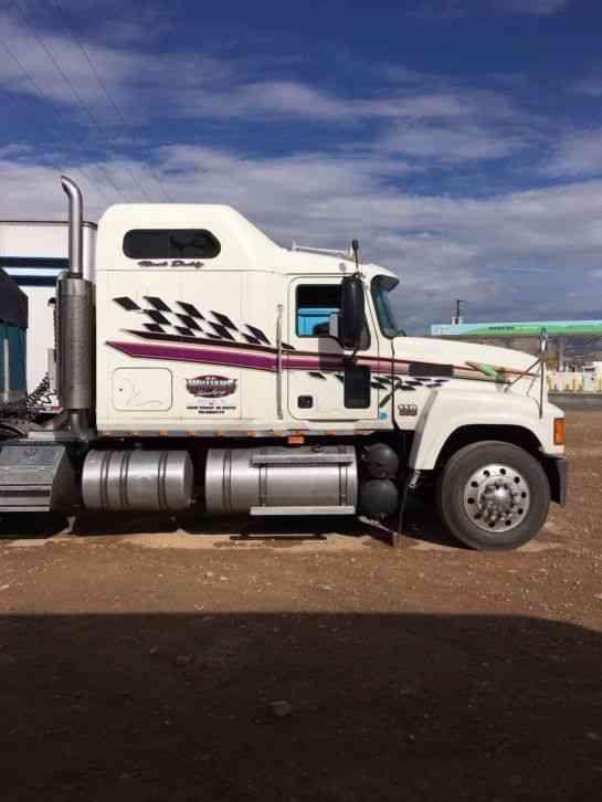 Mack Tractor Truck Air Valve On Firewall : Mack chn  daycab semi trucks