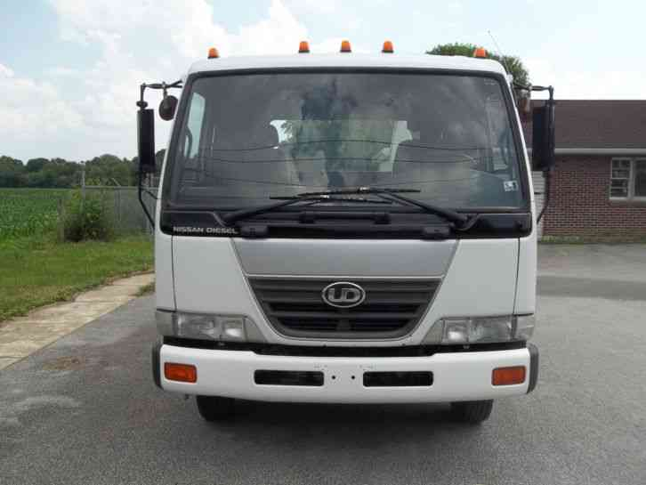 Ud Nissan Tow Truck For Sale