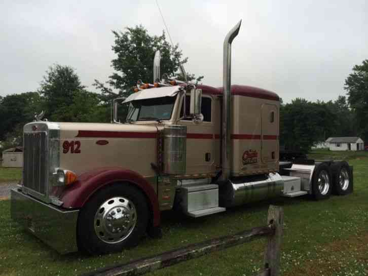 Peterbilt 379 2005 Sleeper Semi Trucks