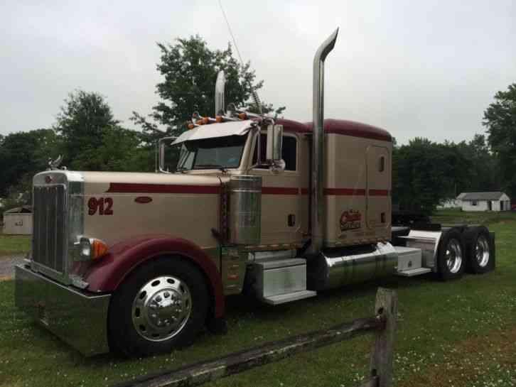 Peterbilt 379 2005 Sleeper Semi Trucks