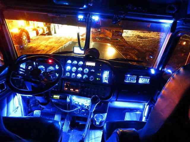 Peterbilt 379x Heavy Spec 379 X 2005 Sleeper Semi Trucks