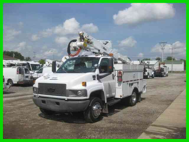 CHEVROLET C4500 6. 6L DURAMAX DIESEL AUTO WITH ALTEC 42 FOOT REACH BUCKET/BOOM (2006)