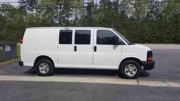 Chevrolet Express 2500 2006  Van  Box Trucks
