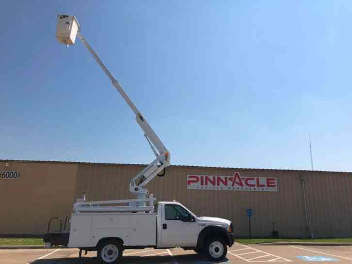 Ford BUCKET TRUCK WITH INVERTOR Super Duty F-450 DRW ALTEC AT235 (2006)