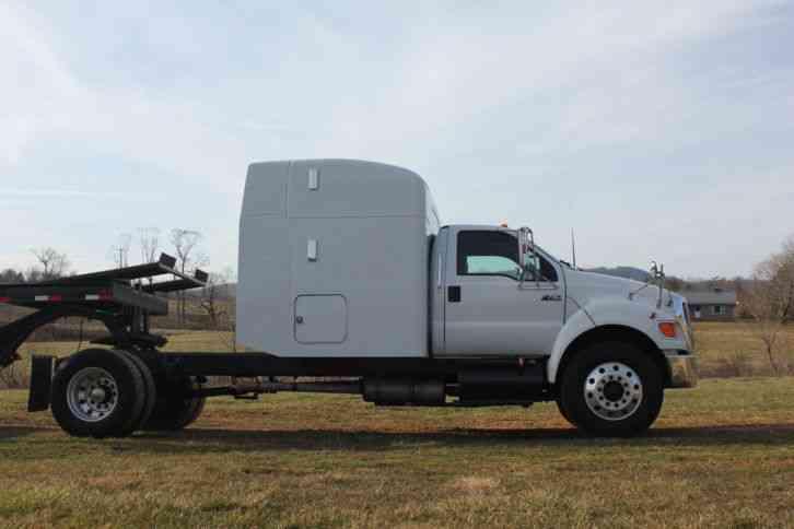 Ford (2006) : Sleeper Semi Trucks