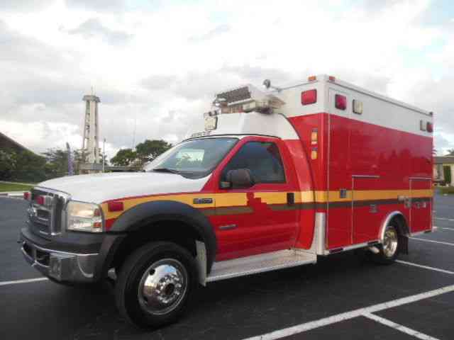 Ford Ambulance Fire Rescue (2006)