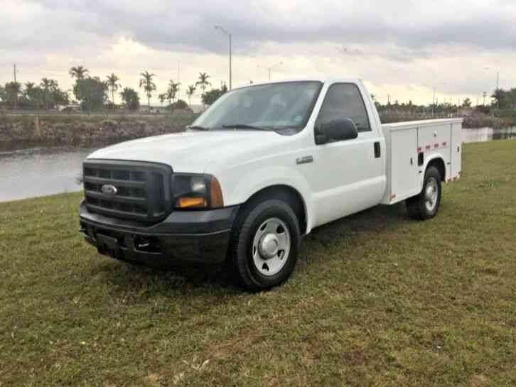 Ford F250 SERVICE UTILITY TRUCK LIKE NEW LOW MILES (2006)