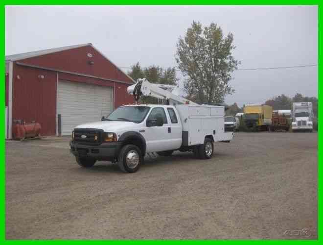 FORD F450 6. 8L GAS AUTO WITH 35. 6 FT REACH ALTEC (2006)