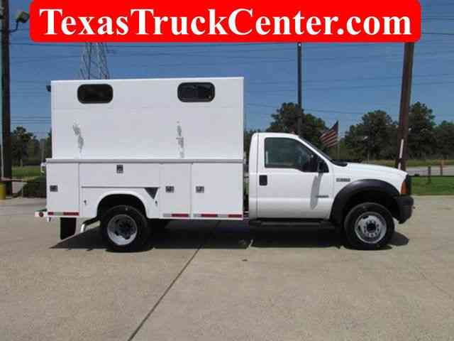 Ford F550 Utility-Service 4x2 (2006)
