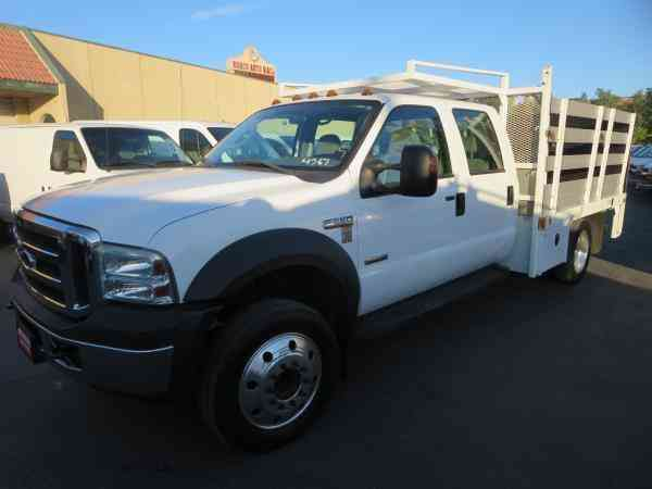 FORD F550 DSL -- (2006)