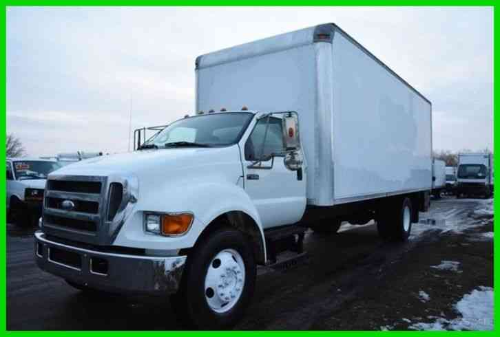 Ford F-650 24Ft Box Truck (2006)