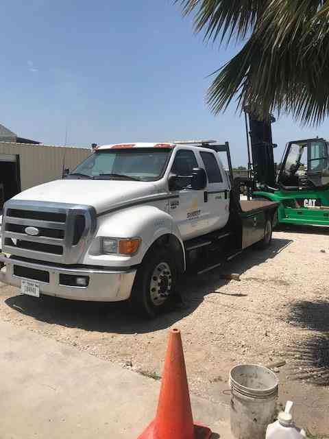 Ford F650 Flatbed -- (2006)