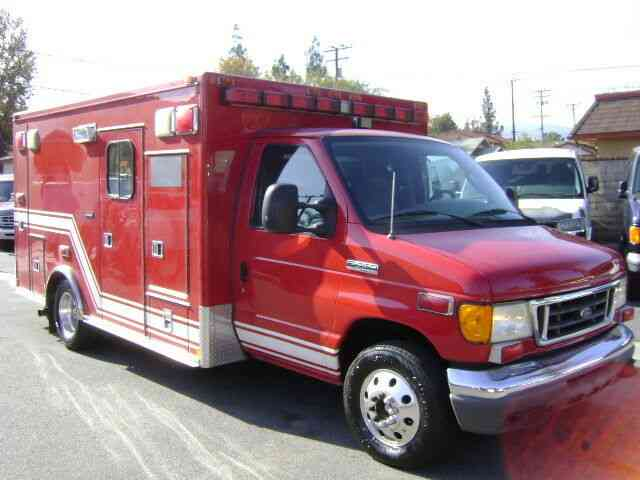 Ford E450 Ambulance (2006)