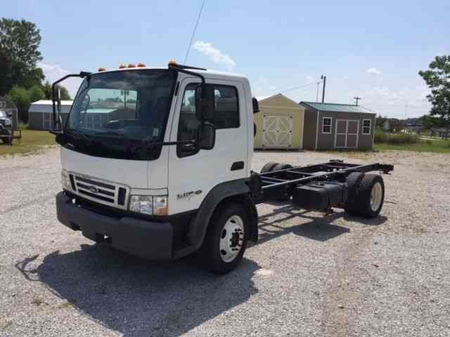 Ford Lcf  2006    Medium Trucks