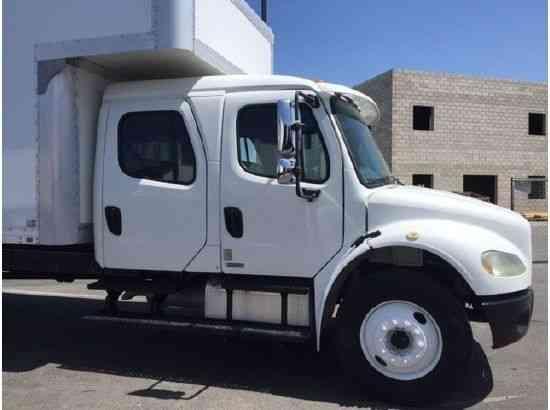 Freightliner Business Class M2 Box Truck 2006 Van