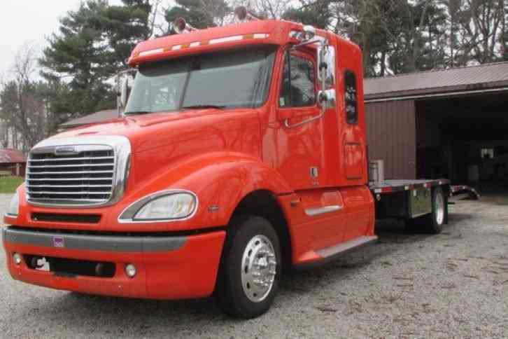 Freightliner Columbia 120 CL12064ST (2006)