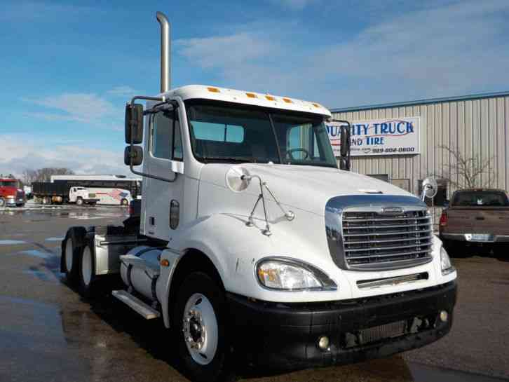 Freightliner Columbia Cl120 2006 Daycab Semi Trucks