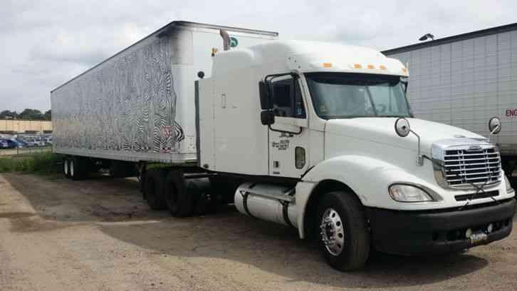 Freightliner  2006    Sleeper Semi Trucks