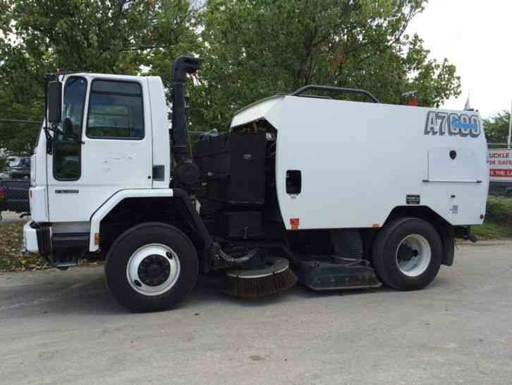 2003 Freightliner Schwarze A7000 Air Vacuum Street Sweeper For Sale Peterbilt 379 XD (2006) : Heavy Duty Trucks