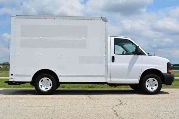 Gmc Savana Cutaway 2006 Van Box Trucks