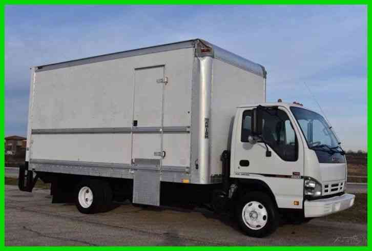 GMC W4500 16ft Box Truck (2006)
