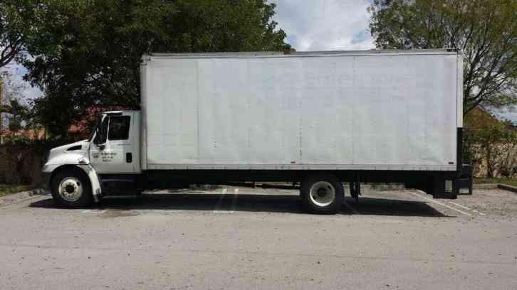 International 4300 Tk 2006 Van Box Trucks