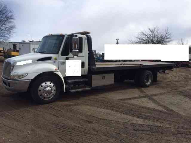 International 4300 DT466 Rollback -- (2006) : Flatbeds & Rollbacks