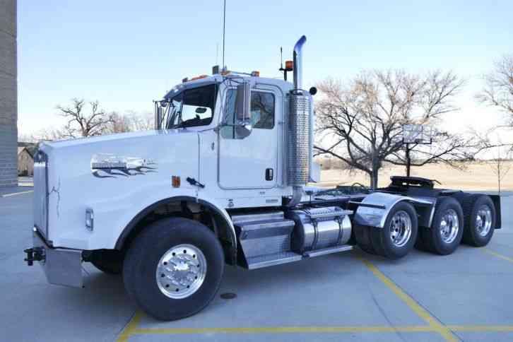 Tri Axle Cabover : Kenworth t b daycab semi trucks