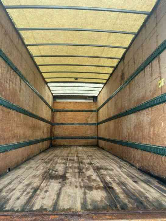 Sterling Sterling Acterra 26' Box Truck (2006)