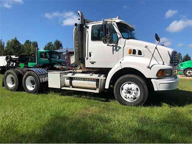Peterbilt 359 (1987) : Daycab Semi Trucks
