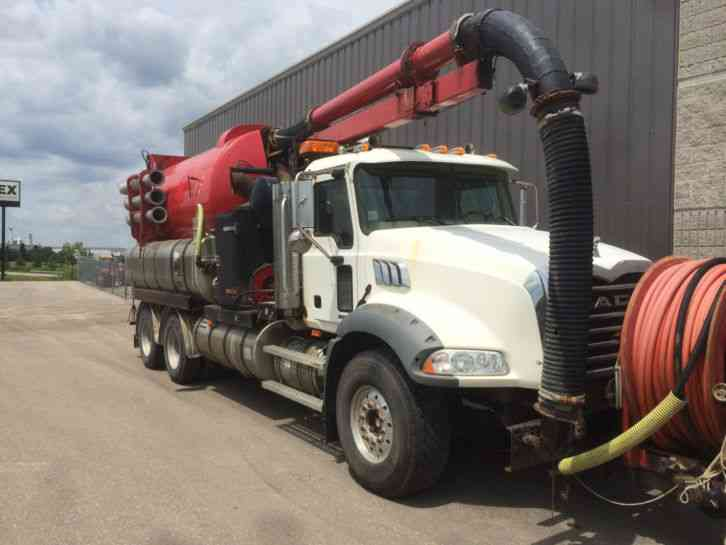 VACTOR COMBO UNIT ON 2005 MACK CHASSIS (TRADE-IN) (2006)