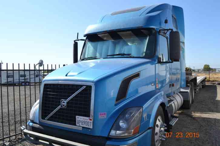 Volvo 670 (2006) : Sleeper Semi Trucks