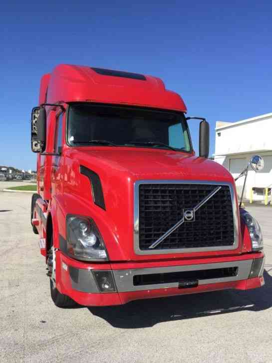 Volvo VNL64T780 (2006) : Sleeper Semi Trucks