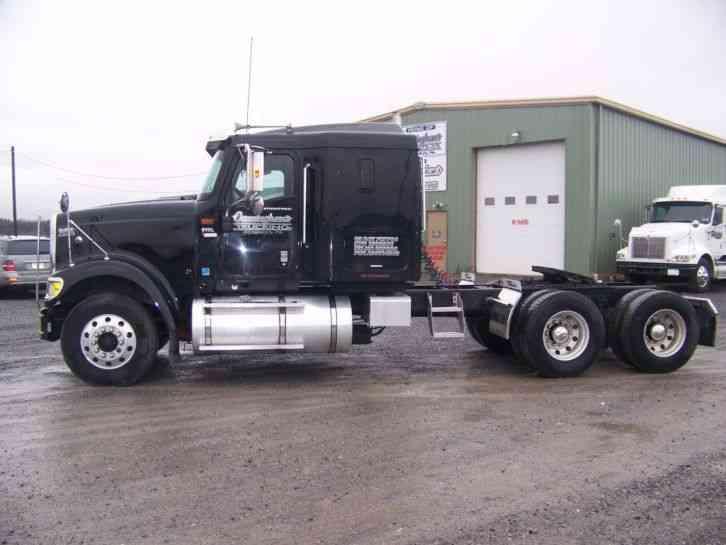 International 9900 Ix  2007    Sleeper Semi Trucks