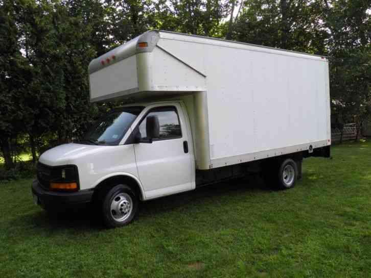 Chevrolet 3500 Express Box Truck 2007 Van Box Trucks