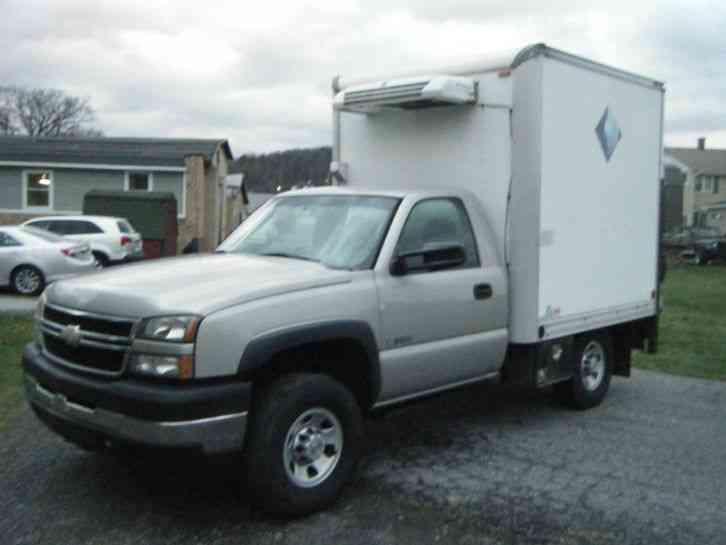 box truck chevy 2007
