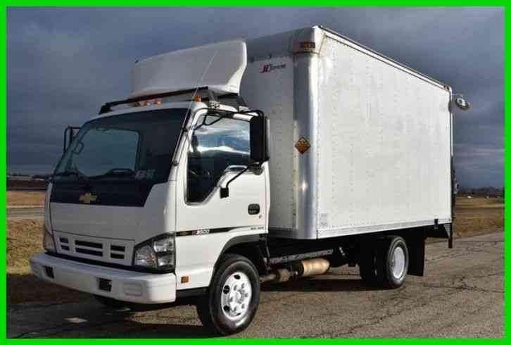 Chevrolet W3500 14Ft Box Truck W/ Lift (2007)